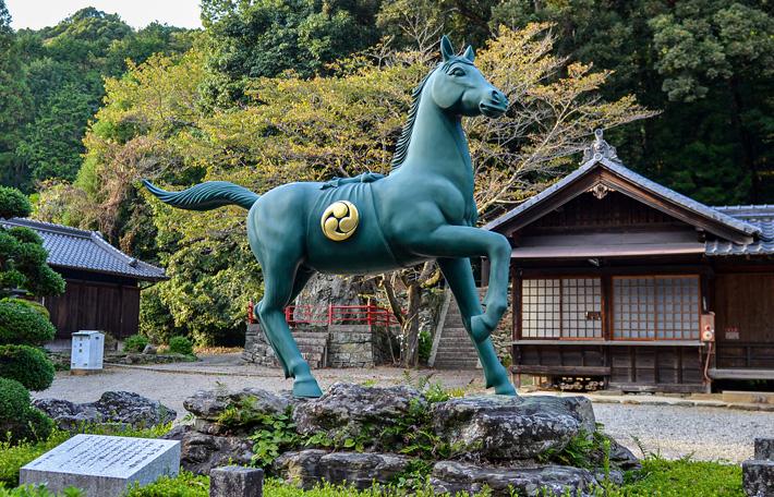 野上八幡宮 青銅神馬